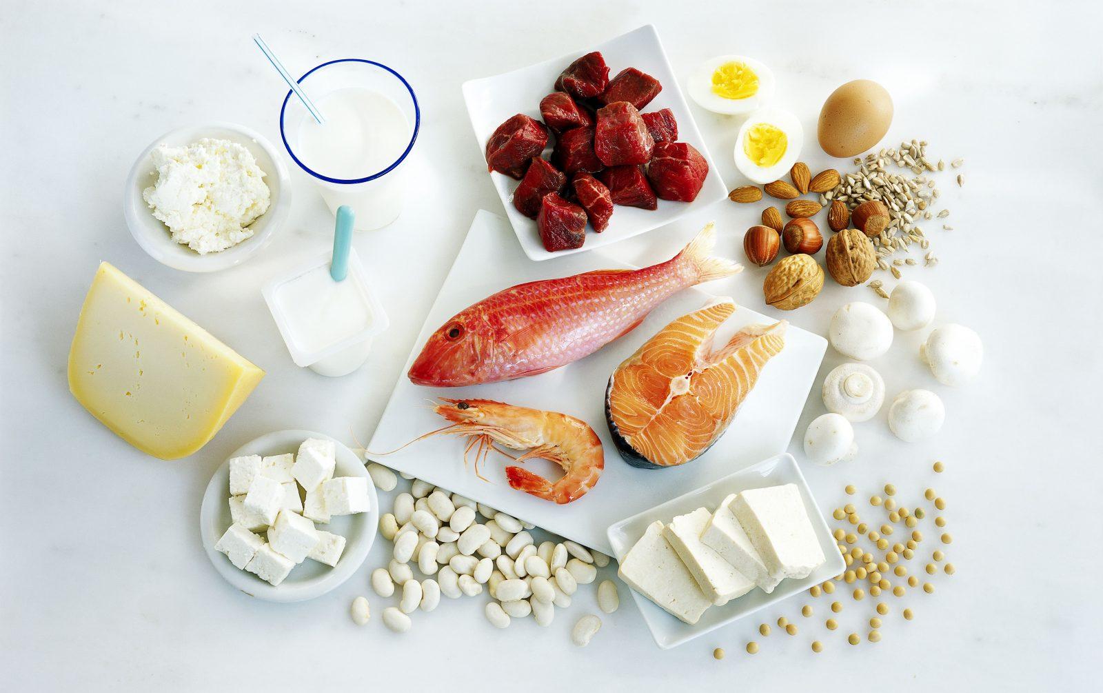Творог, фасоль, мясо, рыба, морепродукты, яйца, орехи