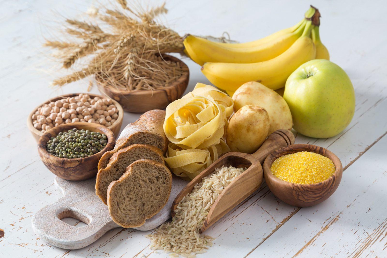 бананы, яблоко, ржаной хлеб, крупы, макароны, бурый рис, картошка, горох