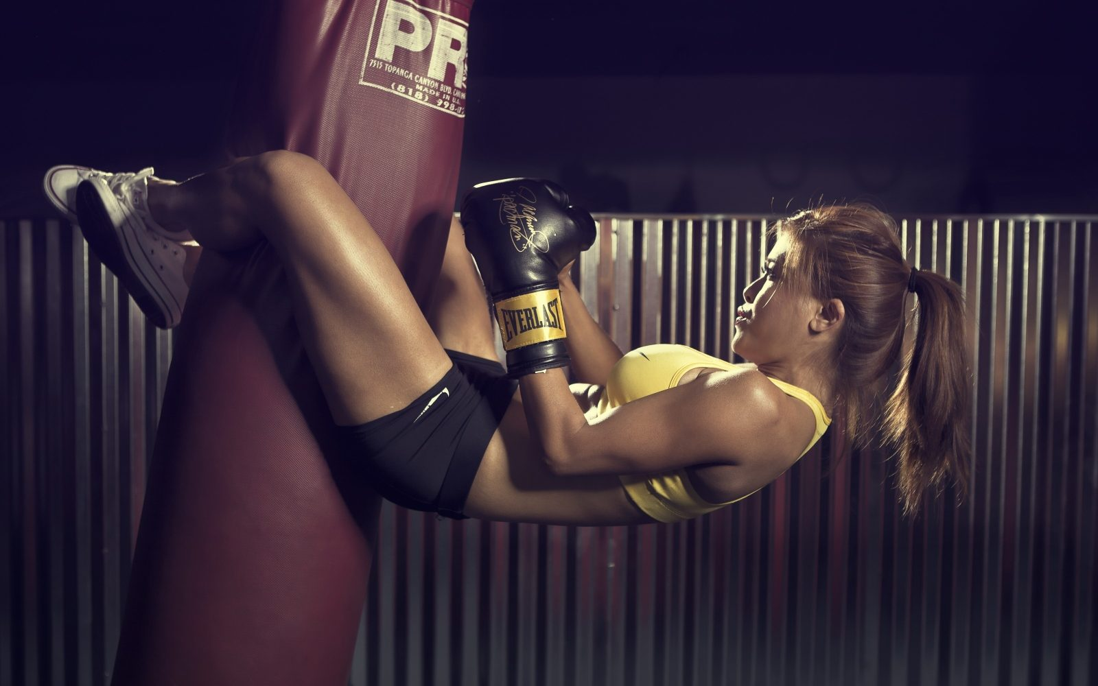 Nude girl gorgeous girls boxing girl