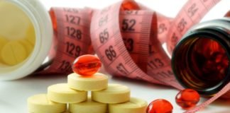 Таблетки, капсулы и сантиметровая лента