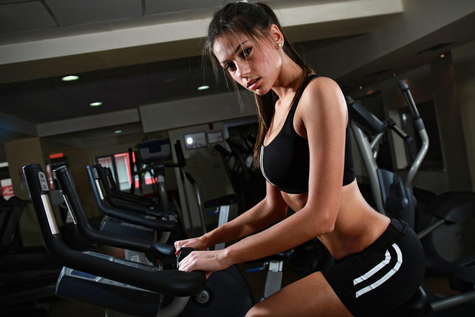 Фото девушек в фитнес зале, Спортивные девушки (37 фото) 17 фотография