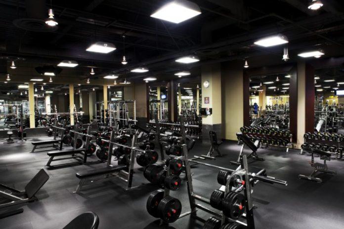 Просторный тренажерный зал (gym)