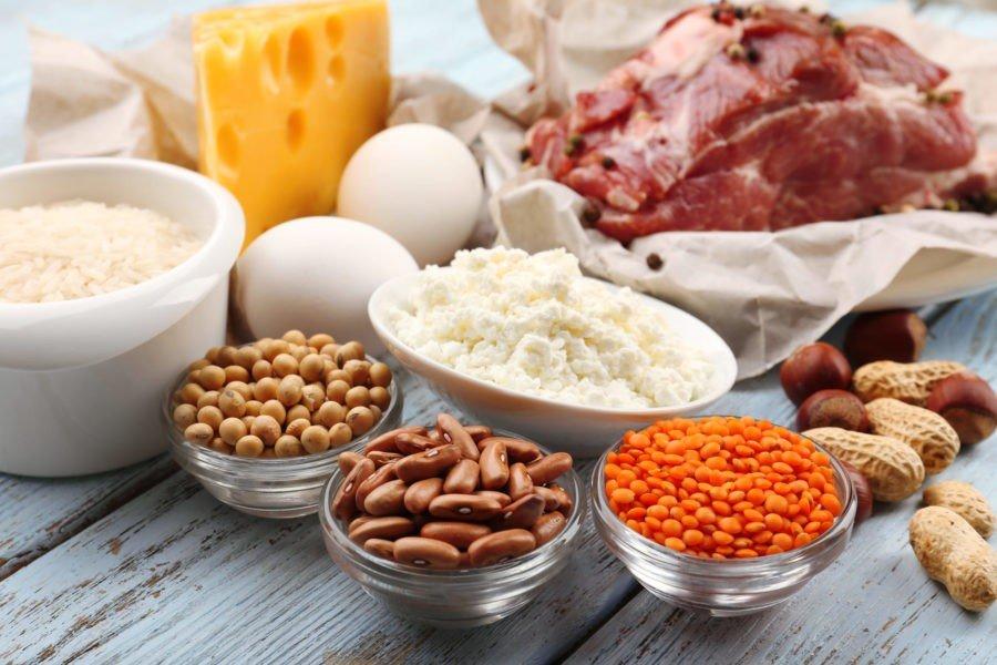 Продукты питания (яйца, молоко, творог, мясо, фасоль, арахис, рис)