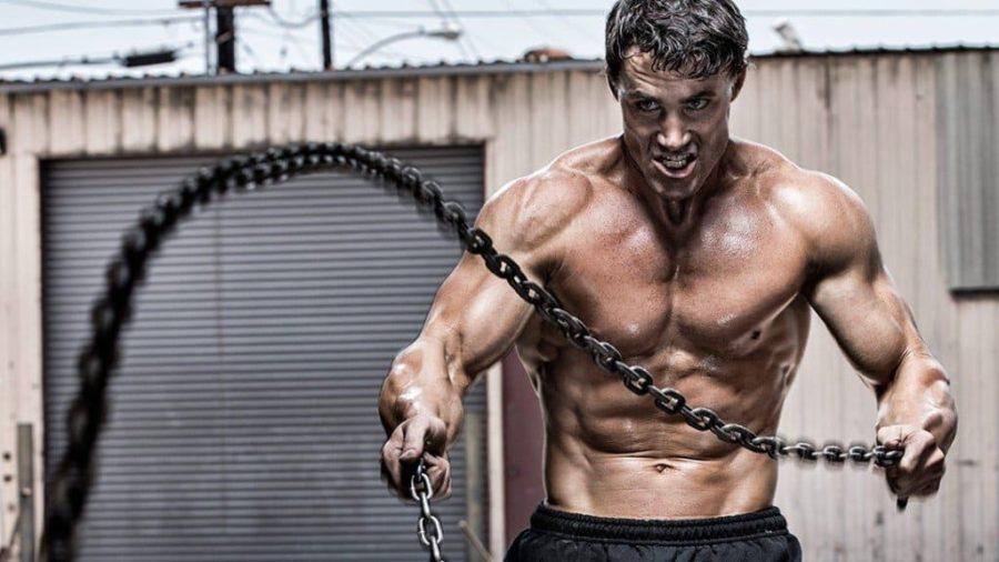 Грек Плит с цепями на тренировке