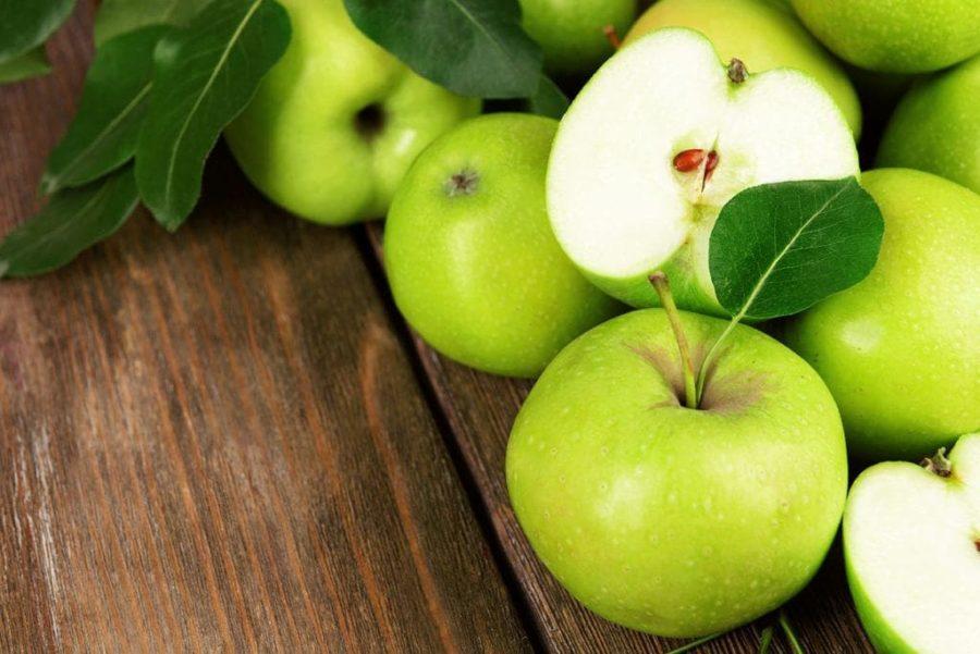 Яблоки от запора: как и в каком виде лучше принимать?