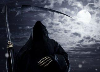 Страшно ли умирать человеку? (смерть с косой на фоне темного неба)
