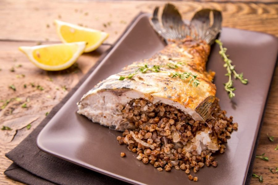 Рыба фаршированная гречкой