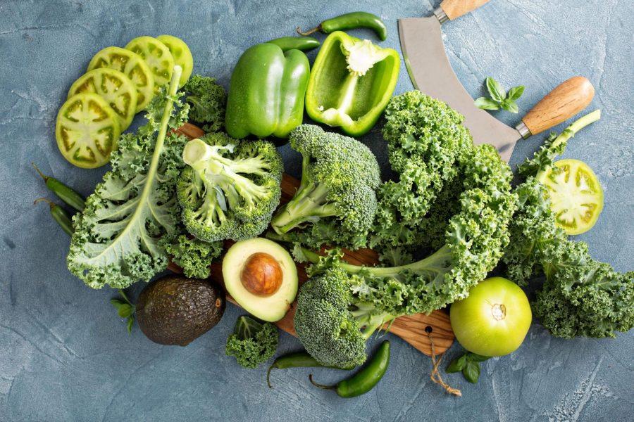 Овощи с минимум крахмала: авакадо, капуста брокколи, перец зелёный