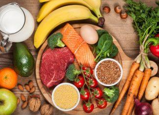 Бананы, рыба, авокадо, мандарин, гречка, помидоры
