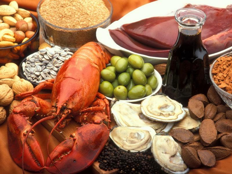 Грецкий орех, мидии, фундук и рак
