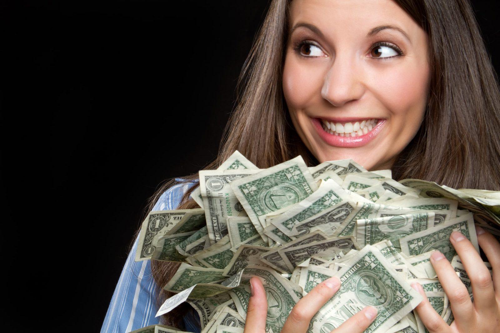 Алчная девушка с деньгами (долларами)
